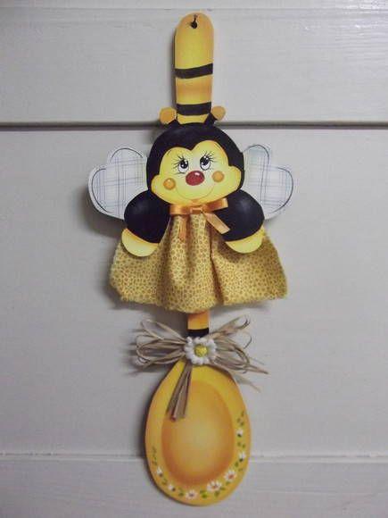 colherf decorada abelhinha | Artesanatos Ingrid Carvalho | 16E576 - Elo7
