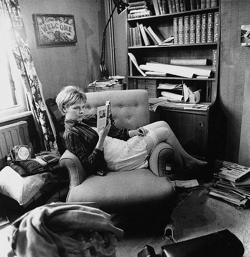 Actress Judi Dench, London 1965Dench Reading, Actresses Judy, Lewis Morley, Actresses Reading Book, Dench London, People Reading Book, Judy Dench, Judi Dench, Awesome People