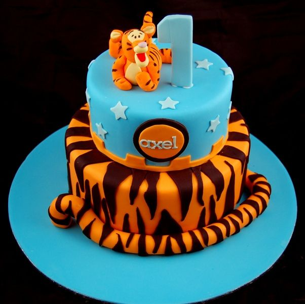 Tigger Cake that I want for Ramiro's first birthday :) now who wants to make it lol uncle Juan cough cough ;)