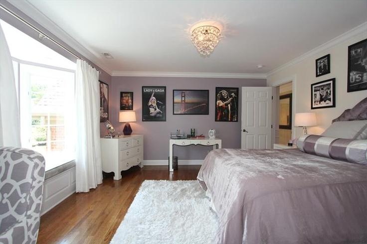 8386 Kugler Mill Rd - Lavender Bedroom