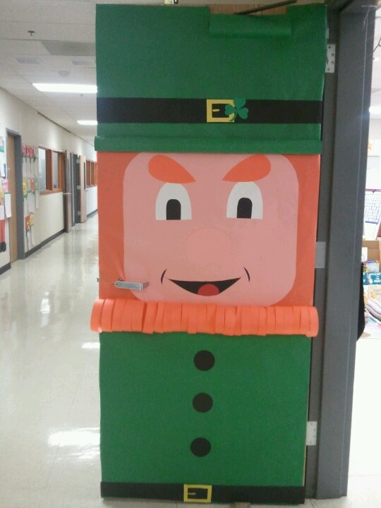 Classroom Decoration Ideas For St Grade ~ My actual classroom door its awesome st patricks day