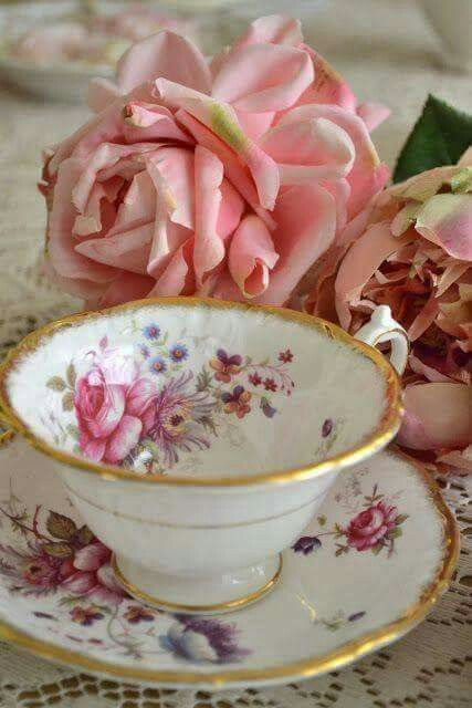 vintage tea cup and saucer, for tea at Rose cottages and gardens