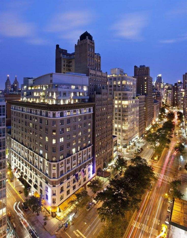 Located on the Upper West Side, NYLO New York City is a chic option near the Natural History Museum and just off from Central Park