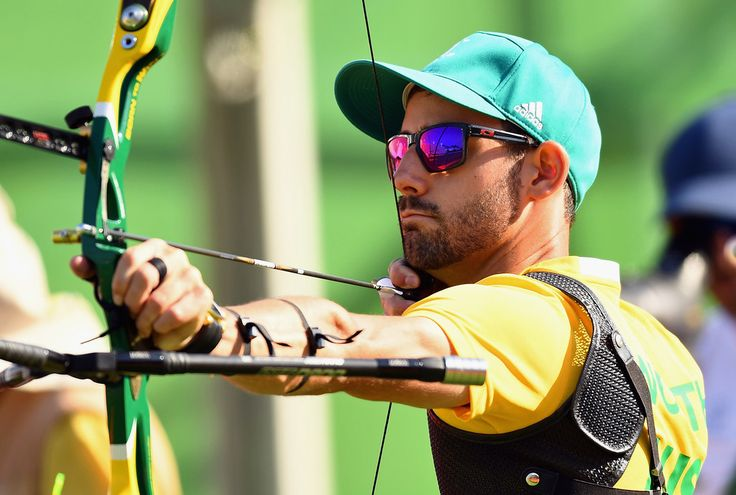 Taylor Worth of Australia competes during the Men's Individual Ranking Round on Day 0 of the Rio 2016 Olympic Games at the Sambodromo Olympic Archery venue on August 5, 2016 in Rio de Janeiro, Brazil.