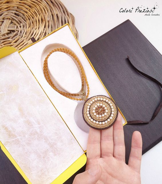 CORBULA - Bead embroidered pendant #beadwork #beadedjewelry #handmadejewelry #beadembroidery #coloripreziosi