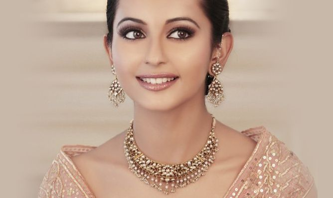Indian Bridal Maquillage-Delicately Pink & Pretty!   Posted by Soma Sengupta