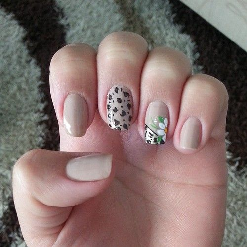 http://decoraciondeunas.com.mx/post/103096106257/unhas-da-semana-nailsart-nails | #moda, #fashion, #nails, #like, #uñas, #trend, #style, #nice, #chic, #girls, #nailart, #inspiration, #art, #pretty, #cute, uñas decoradas, estilos de uñas, uñas de gel, uñas postizas, #gelish, #barniz, esmalte para uñas, modelos de uñas, uñas decoradas, decoracion de uñas, uñas pintadas, barniz para uñas, manicure, #glitter, gel nails, fashion nails, beautiful nails, #stylish, nail styles