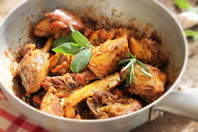 Chicken ciacciatore I've been verbal in regards to misconceptions about Italian food and how foreigners mutilate Italian food names. I've written a lot about how some dishes change over time and evolve into new recipes a