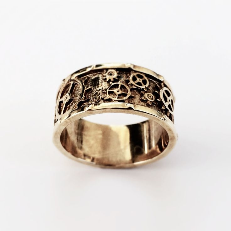Okay,+no,+the+gears+don't+turn,+but+it's+still+a+pretty+amazing+ring+and+it+makes+the+perfect+accessory+for+any+Steampunk+fan+or+maker+out+there!+  This+heirloom+quality+piece+of+jewelry+will+be+unlike+anything+you+own+and+will+last+a+lifetime.  Available+in+US+ring+sizes+4-13,+And+in+Solid+Sterl...