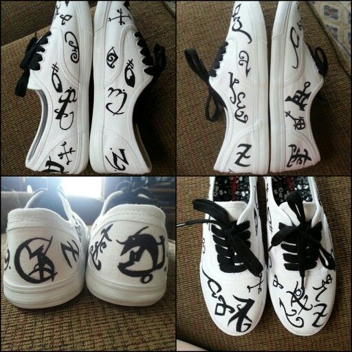 Rune shoes! Ya know I'm glad I can draw so now I can draw runes on myself.