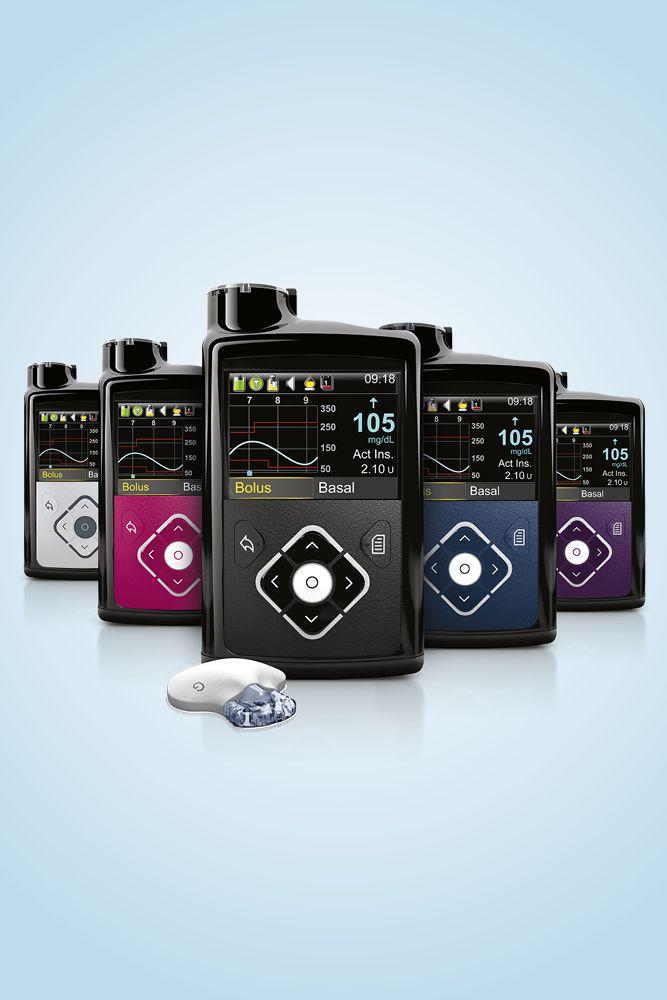 Die Insulinpumpe MiniMed 640G in verschiedenen Farben und mit Sensor.
