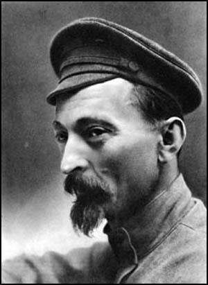 """Felix Dzerzhinsky (11-09-1877/20-07-1926). Periodista y revolucionario soviético (polaco de nacimiento) y creador de la """"Comisión Extraordinaria de todas las Rusias para combatir la Contrarrevolución, la Especulación y el Sabotaje"""" (CHEKA). https://es.wikipedia.org/wiki/Félix_Dzerzhinski"""