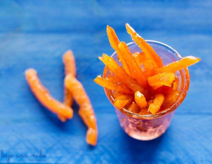 Cáscaras de naranja confitadas