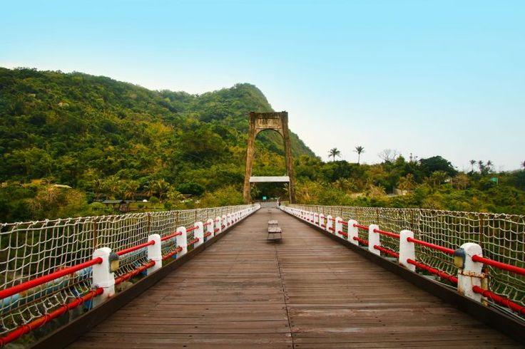 Die schönsten Plätze der taiwanesischen Ostküste Donghe Bridge, Taiwan