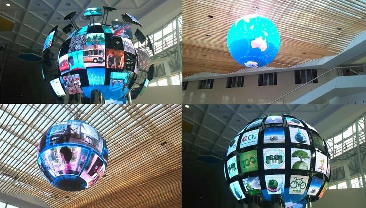 공(Ball) 형태의 LED 디스플레이입니다.  공 크기 및 해상도는 프로젝트에 따라 컨설팅 과정에서 변경할 수 있습니다!