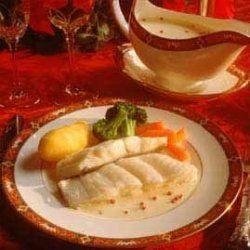 Dampet kveite med reker og Noilly Prat saus oppskrift -- www.matoppskrift.no