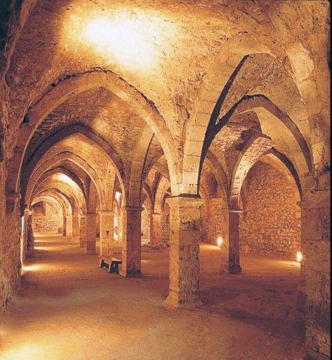 Hôtel-Dieu (salle basse), Provins.   fondé par Thibaud le Grand