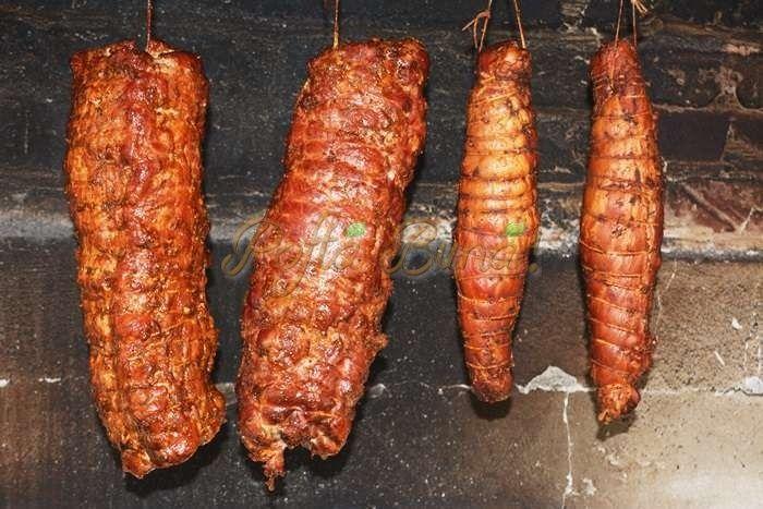 Muschiulet de porc afumat, reteta clasica, simpla, fara conservanti, doar carne si condimente. se poate face si fara afumare,doar fiert si condimentat