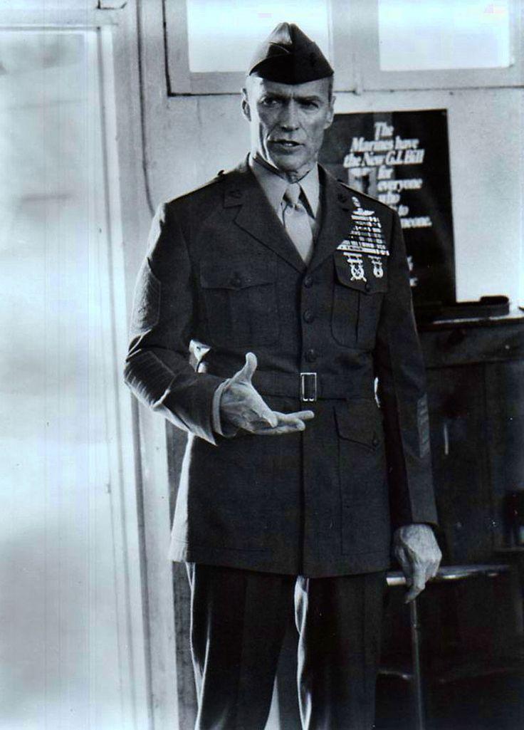 Clint Eastwood-Cavaliere dell'Ordine della Legion d'Onore-Francia. Commendatore dell'Ordine della Legion d'Onore (Francia) Commendatore dell'Ordre des Arts et des Lettres (Francia) Cavaliere di III Classe dell'Ordine del Sol Levante (Giappone)