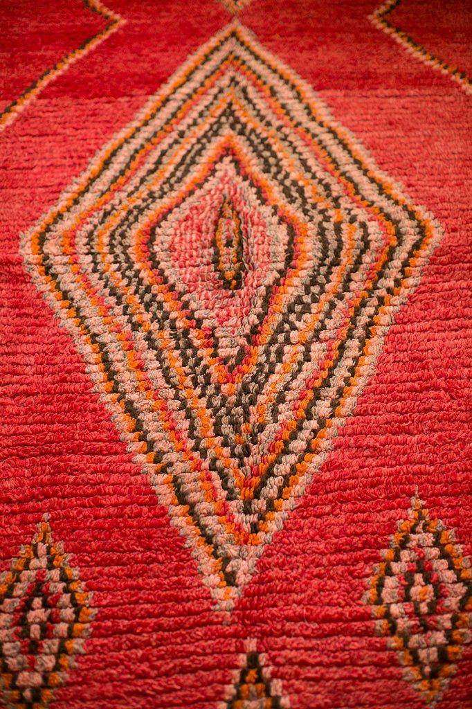 [SOLD] CINNAMON GUM [AKA BIG RED] : vintage berber carpet