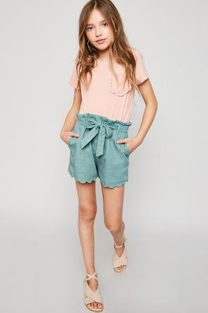 c219cc73d Chambray Woven Shorts - Girls Clothing   Fashion - Hayden Girls. Encuentra  este Pin y muchos más en Moda Niñas ...