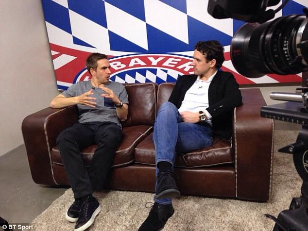 Owen Hargreaves interviews former Bayern teammate Philipp Lahm.