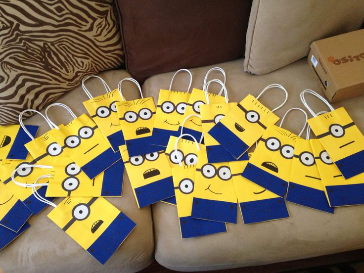 minion goody bags diy pinterest goody bags bags and. Black Bedroom Furniture Sets. Home Design Ideas