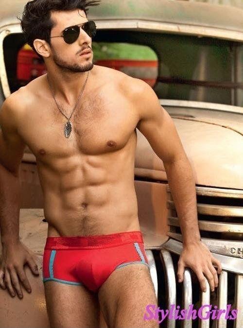 ^ _ ^ #body #man #guy #people #spread