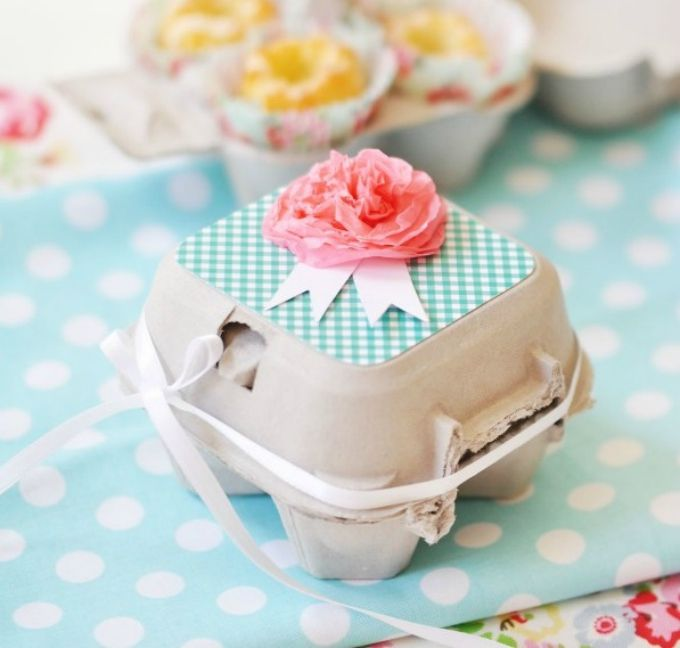 Egg carton cupcake box, http://www.coolcrafts.com/diy-cupcake-boxes/