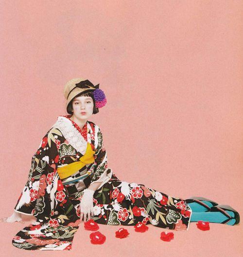 chiwaking: KIMONO姫 10全部買えます編 (祥伝社ムック) [ムック] http://www.amazon.co.jp/dp/4396820550/ref=cm_sw_r_tw_dp_XzBIob1W56EHV