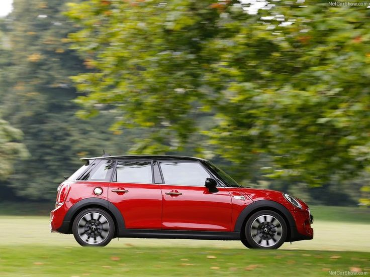 Mini-Cooper_S_5-door_2015_Side_Angle