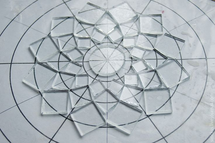 This artist is very generous posting the 'how it was made' steps for a beautiful snowflake!