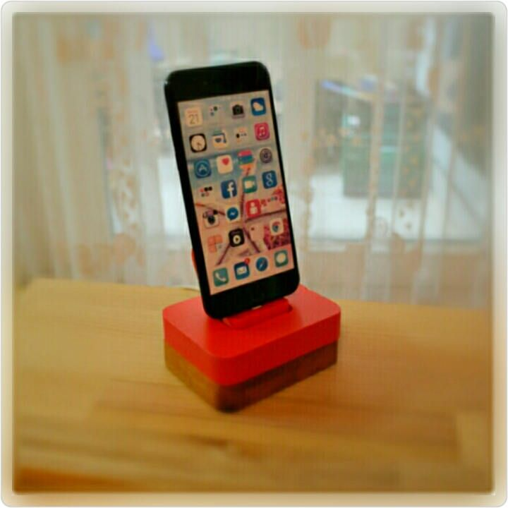 iphone Ladestation docking station für apple ständer iDOQQ UNO ROT holz Station, iphone 5,6,7,8 von NightLightSJ auf Etsy