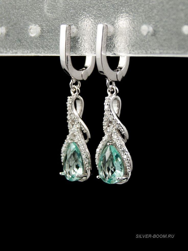 Серьги из серебра 925 пробы в виде капли, украшены фианитами белого и светло-зеленого цвета ( Green-White), родий. 537019735