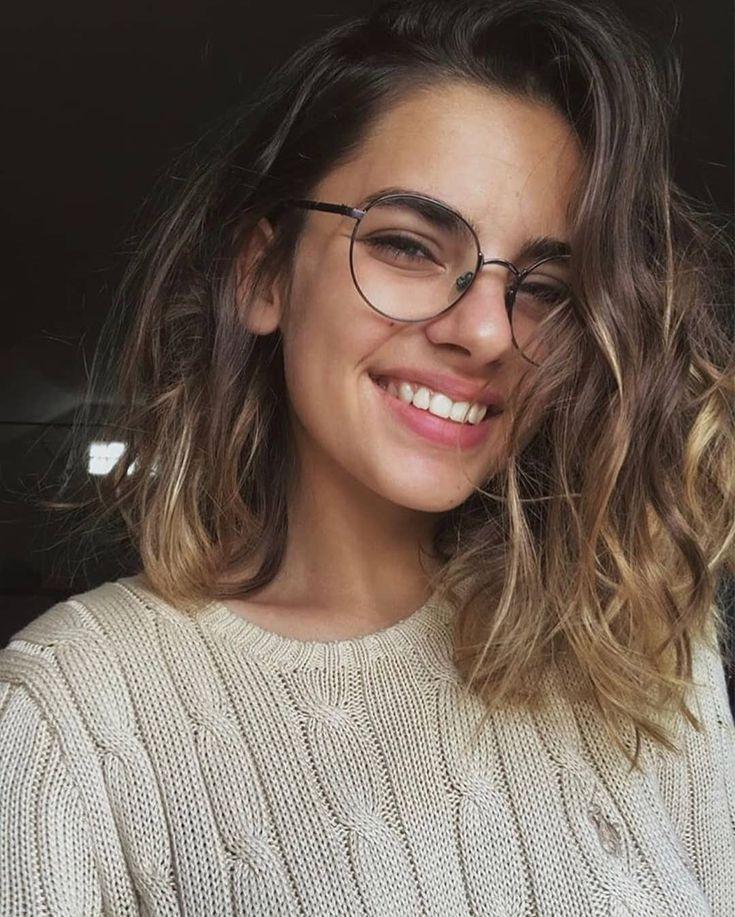 do you wear medicinal glasses  👓🤓  short hair glasses