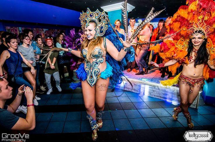 Enjoy Belly Dancing with delicious #food, #drinks & #hookah in Warsaw @ http://www.bollywoodlounge.pl/waw/ #bar #nightclub #restaurant