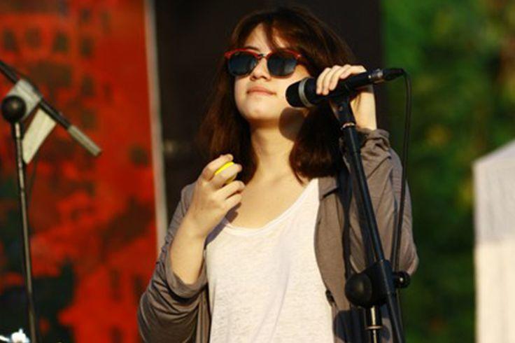 gituaja.com - Musisi indie yang berparas cantik (7)
