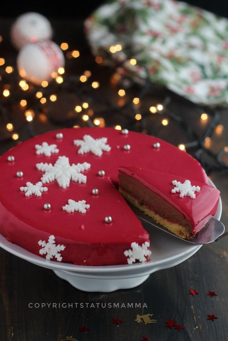 Pochi e semplici passaggi e accorgimenti per preparare anche tu la tua Torta mousse al cioccolato con glassa a specchio rossa facile