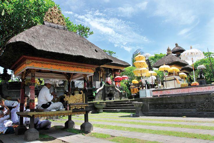 """Tucked in Glogor Carik area Denpasar, Tanah Kilap Temple is a manifestation of harmony among Balinese religious and spiritual beliefs."""
