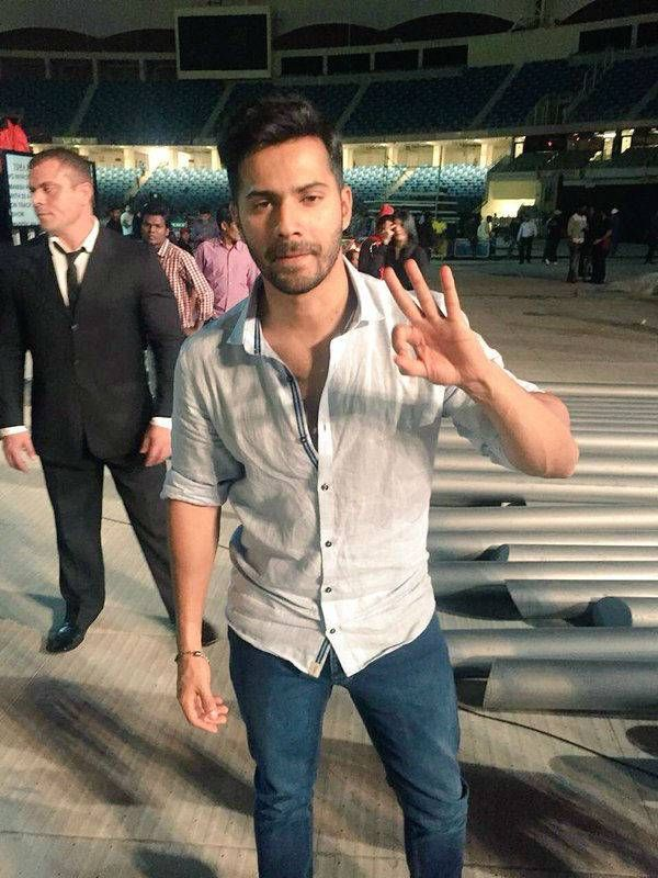 And we have Varun Dhawan at the rehearsals in Dubai for the most epic #TOIFA2016 Main Awards scheduled for March 18