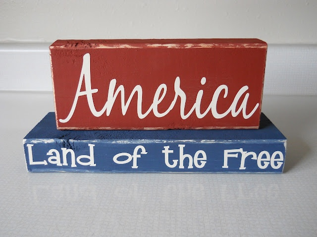 Quick Fourth of July project: Dust Bunnies, Crafts Gifts, American Decor, Bunnies Crafts, Americana Diy Simple, Wood Blocks, Americana Prim, Americana Kitchens, Americana Living