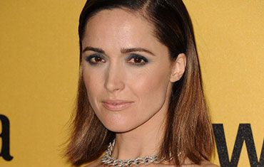 Rose Byrne debuted an eye look this week that's *super* easy to pull off.  Head to The Beauty Observer to learn how.