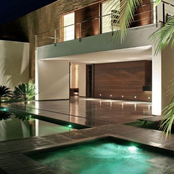 Combine uma ilumina o na piscina com porcelanato for Iluminacao na piscina e perigoso