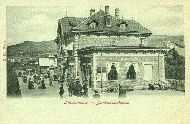Lillehammer jernbanestation ca 1900  utgiver Narvesen
