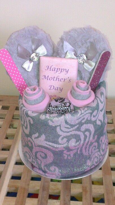 Mother's Day Prezzie Cake.