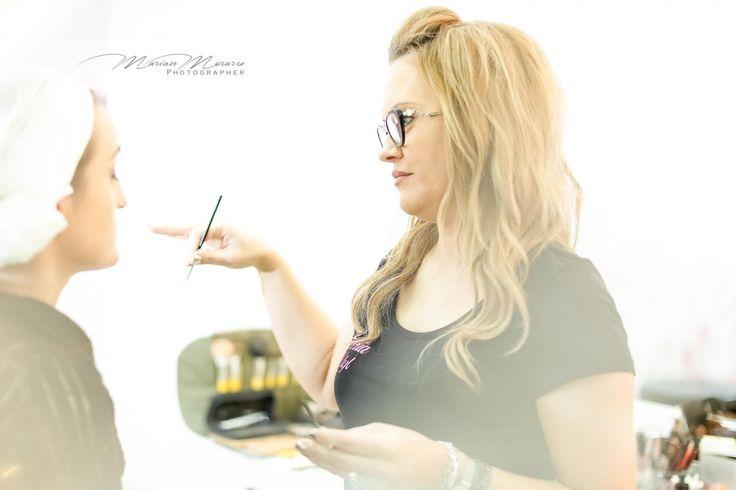 Fiecare clipa inseamna pentru noi un pas in plus in atingerea excelentei in imaginatie, imaginatie ce spune povestea unica a celei mai frumoase zile din viata dumneavoastra. Photographer Marian Moraru. | Pagina de prezentare a lui marian moraru pe Fotografi-Cameramani.ro. Portofoliu de fotografii nunta, Radauti. Oferta de preturi pentru nunta.