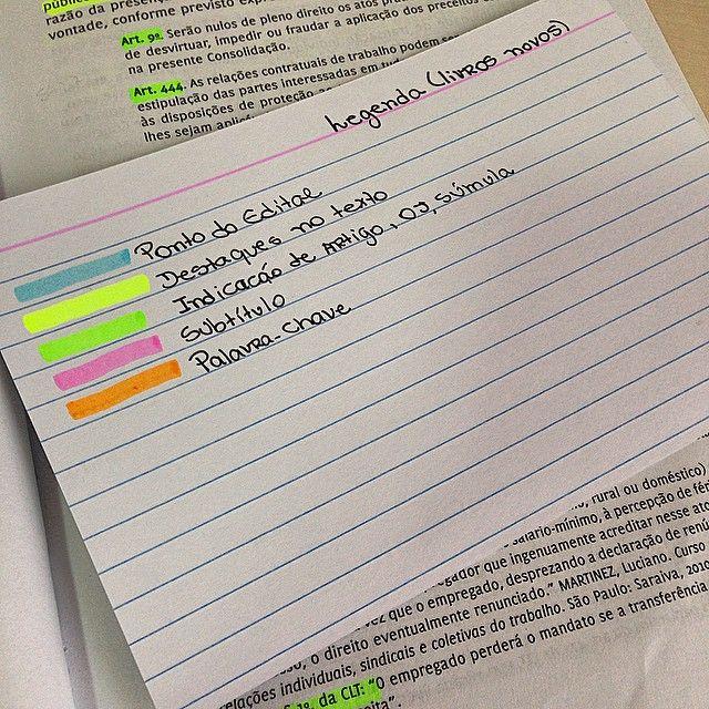 } Fiz uma legenda para minhas marcações de livros antes não tinha uma regra, mas acredito que assim fica mais organizado {Não achei utilidade para o marca texto roxo } {ATUALIZAÇÃO: roxo vou usar para destacar Princípios}.