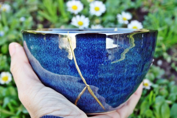 I want to share the last thing I added to my store #etsy: Kintsugi bowl, kintsugi ceramic glaze. REF 50 http://etsy.me/2mWBHnY #articulosdelhogar #delcoraciondelhogar #azul #cumpleanos #navidad #oro #oficina #kintsugi #kintsukuroi