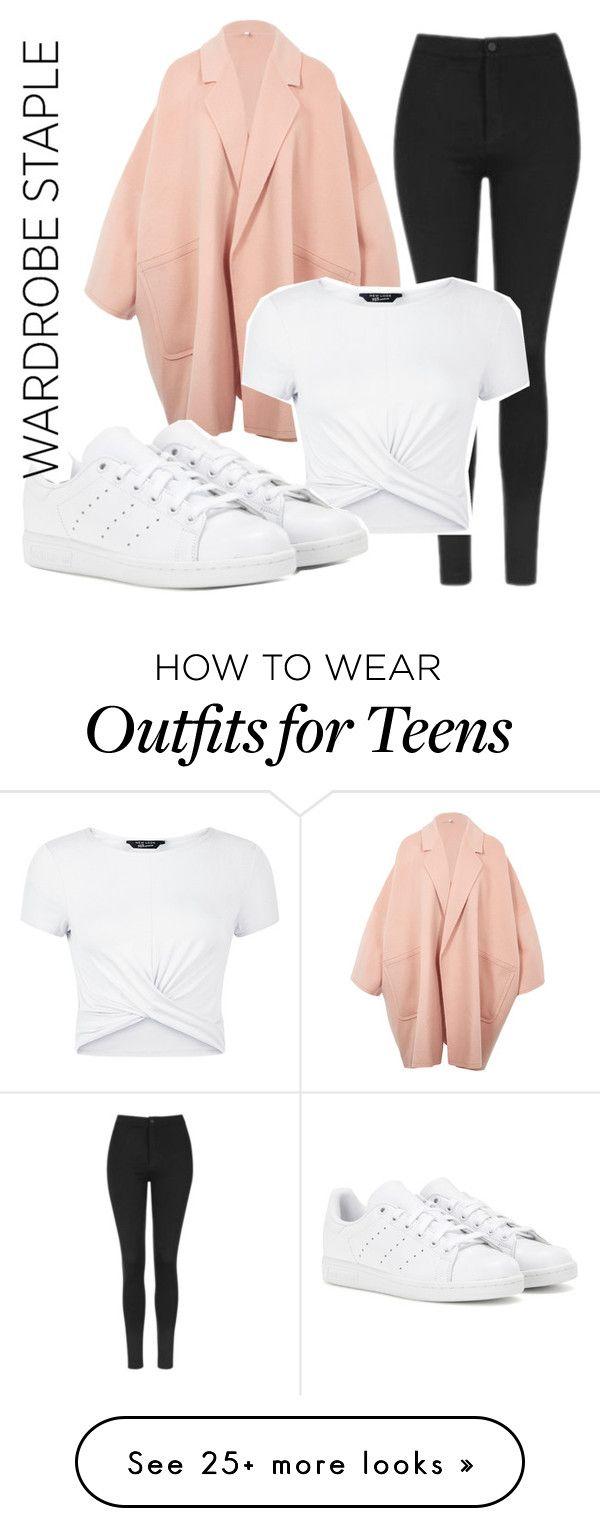 Top blanco, leggins negros, tenis blancos, cardigan rosa
