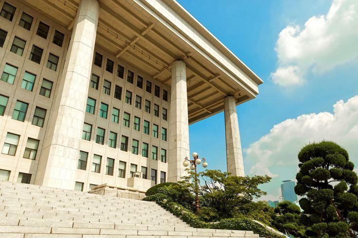 Korean Regulator Investigating Staff Insider Trading of Cryptocurrencies - CoinDesk http://mybtccoin.com/korean-regulator-investigating-staff-insider-trading-of-cryptocurrencies/
